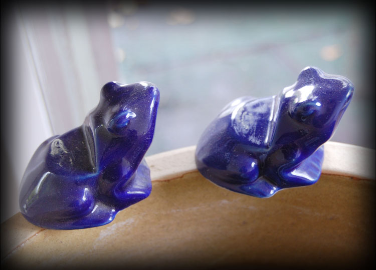 Blue-Frogs